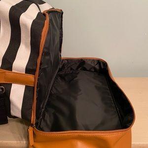 DSW Bags - DSW Weekender Tote